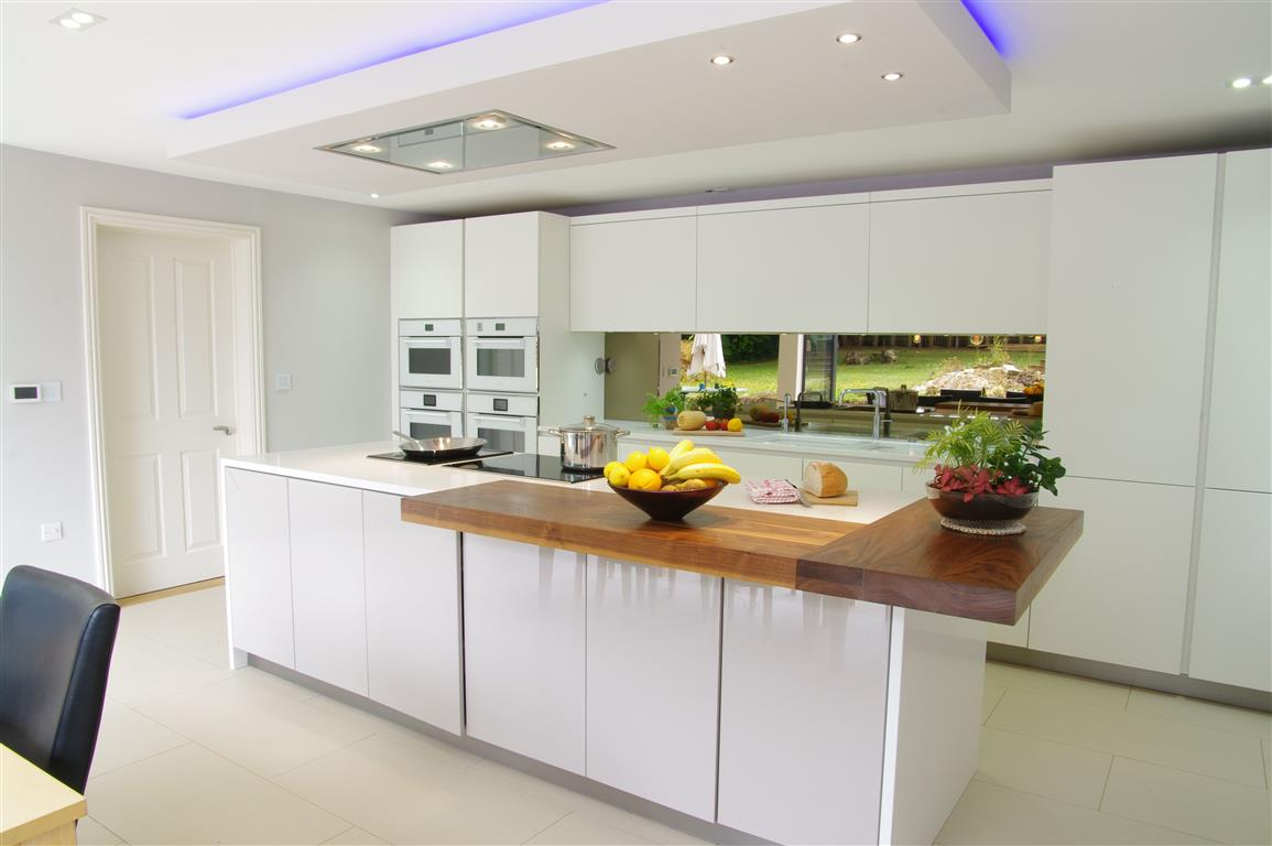White Gloss Kitchen with Innovative Lighting - PTC Kitchens