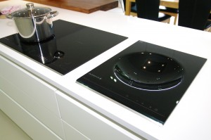 Induction hob and wok