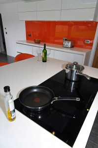 orange_white_kitchen7