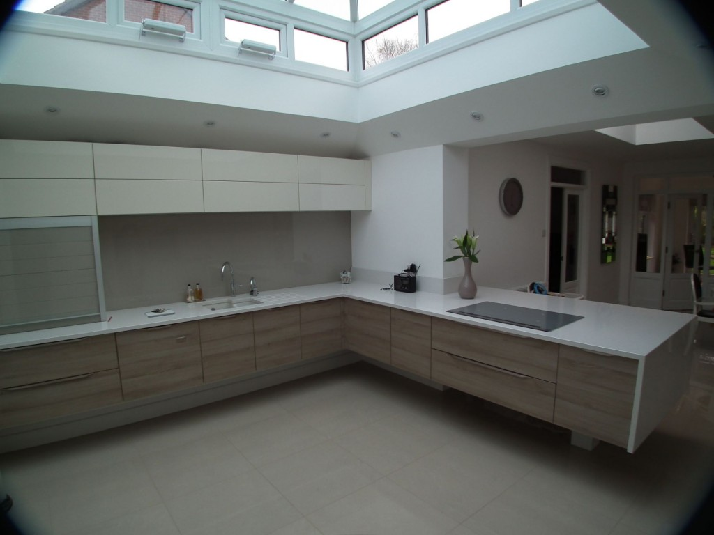 'Floating' kitchen area