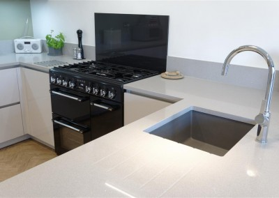 High Gloss Kitchen in Taupe with Breakfast Bar