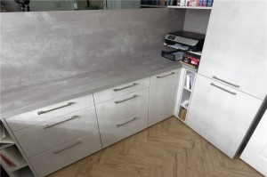 Concrete Pearl grey surfaces and Putty Concrete Opal Grey door combination
