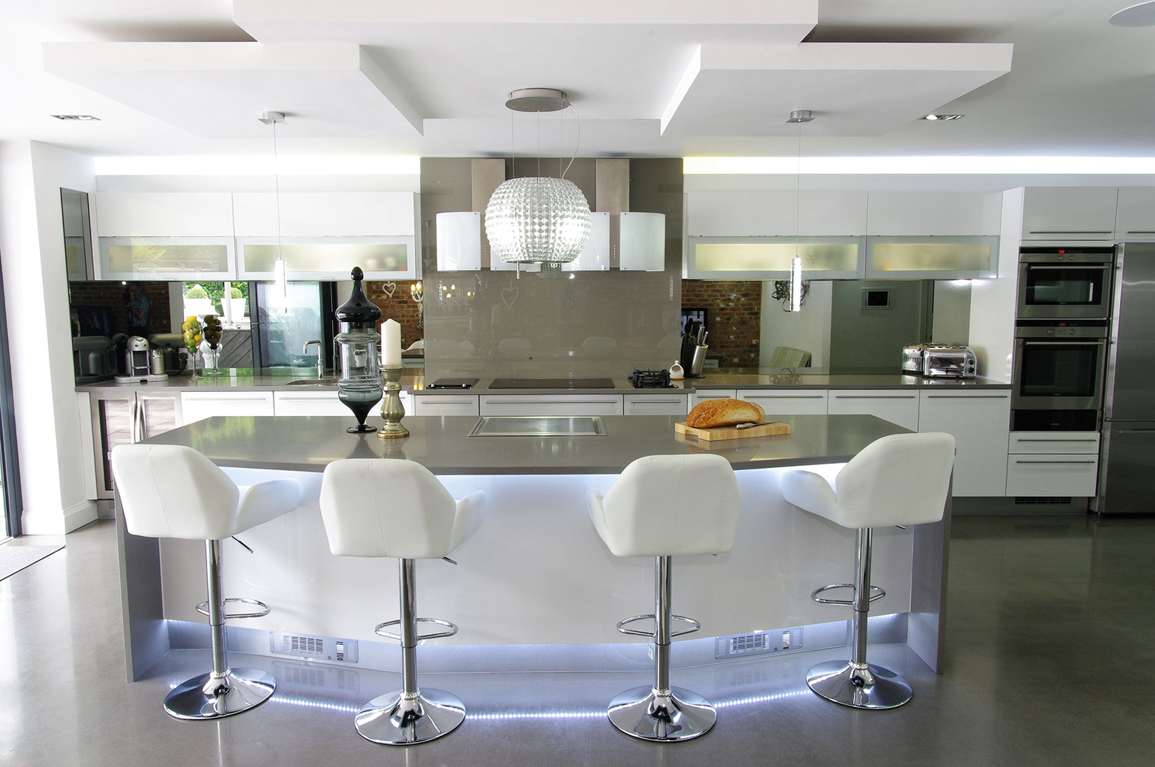 A Luxury Kitchen with Style and a Practical Structure