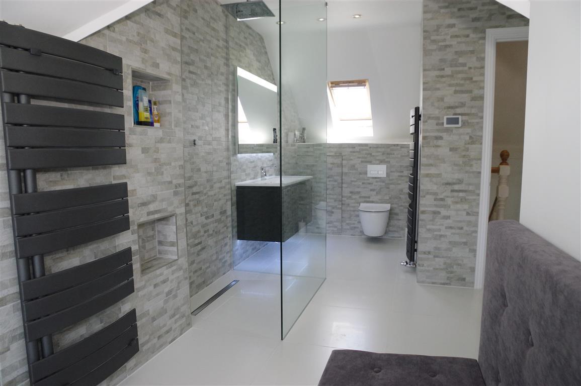 Exquisite Contemporary Bathroom